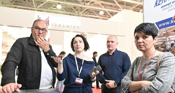 Operatori russi nel padiglione italiano a BATIMAT 2019