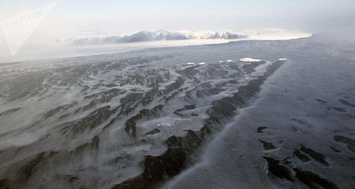 Punta Uering, Isola di Wrangel - vista aerea, 1988