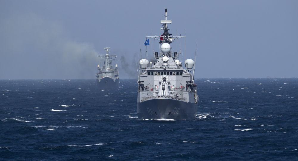 Navi da guerra NATO nel mar Nero