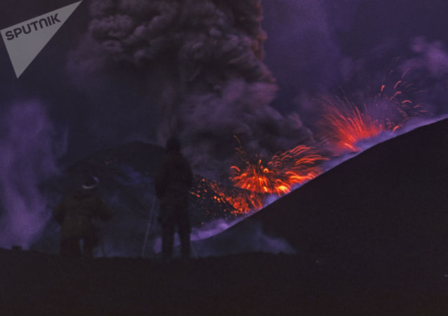 Eruzione del vulcano Alaid - Curili, 1973