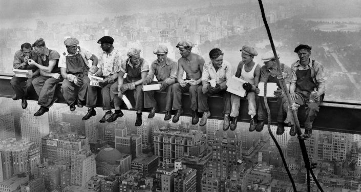 'Lunch atop a Skyscreaper' - Charles Ebbets 1932