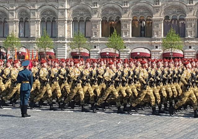 I soldati della divisione motorizzata Tamanskaya