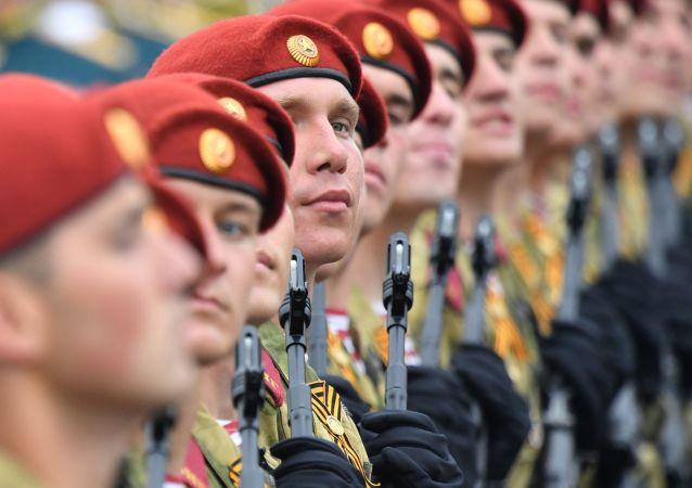 Guardia Nazionale della Russia prende parte alla Parata della Vittoria 2019