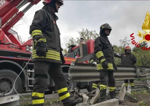 A Siena si ribalta autobus con turisti russi, 1 morto e 10 feriti (22 maggio 2019)