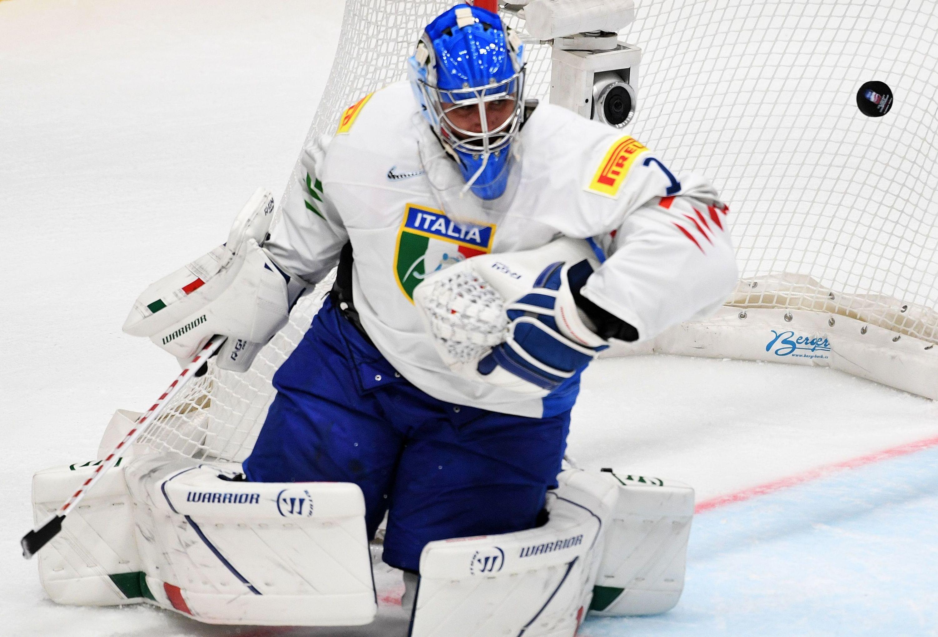 Il portiere della nazionale italiana di hockey Andreas Bernard