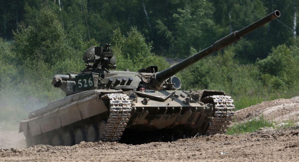 Polonia, ubriaco guida un carro armato e semina il panico