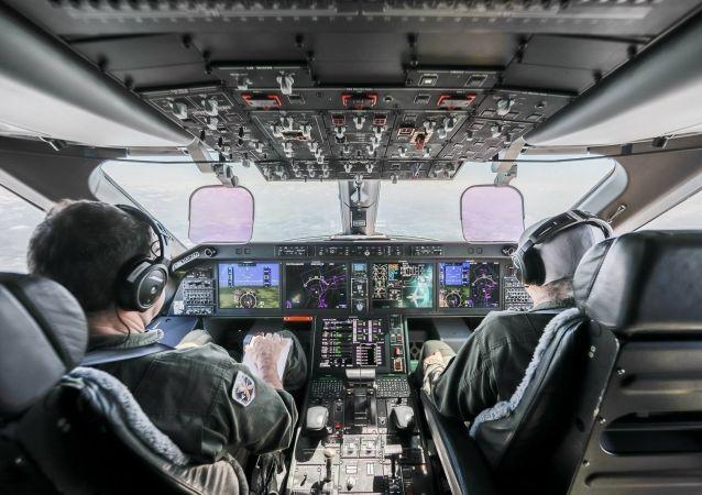 La cabina di pilotaggio del KC-390