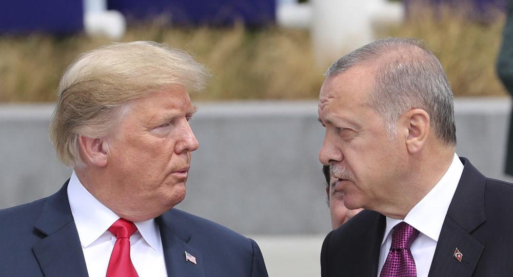 Trump ed Erdogan al Consiglio NATO di Bruxelles del 2018