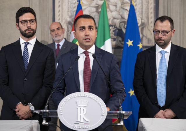 Luigi Di Maio dai giornalisti dopo le consultazioni al Colle