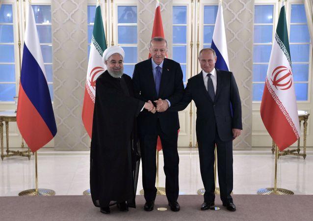 L'incontro tra Vladimir Putin, Recep Erdogan e Hassan Rouhani