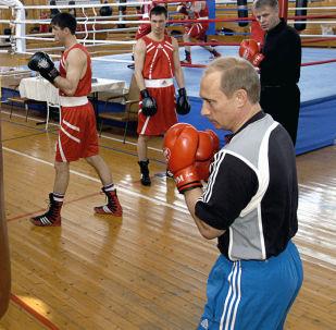 Putin e boxe (foto d'archivio)