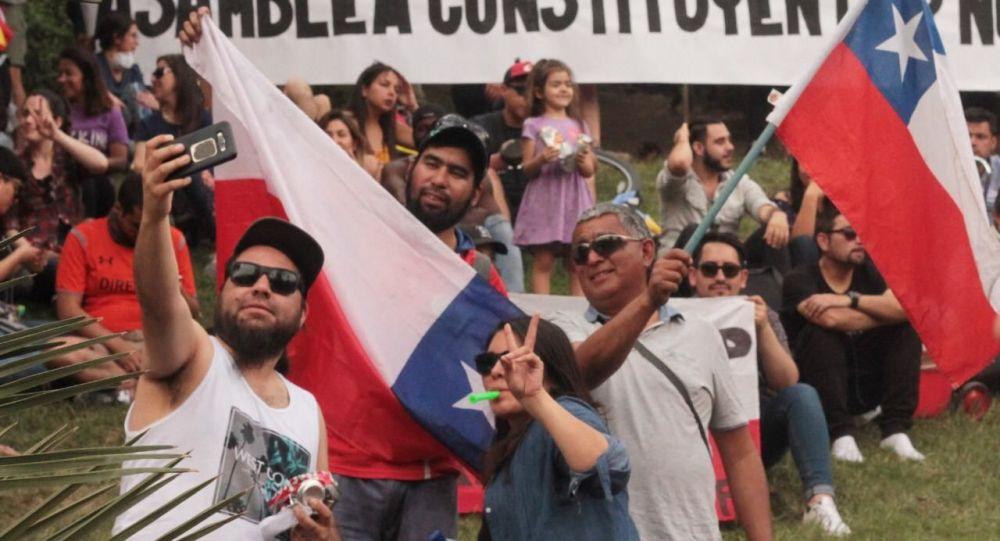 Cile, oltre un milione di persone in strada