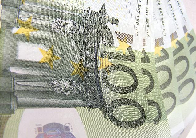 La moneta e il mercato comune dovrebbero riunire `Europa