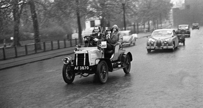Walter Arnold, quella prima multa per eccesso di velocità al mondo ...