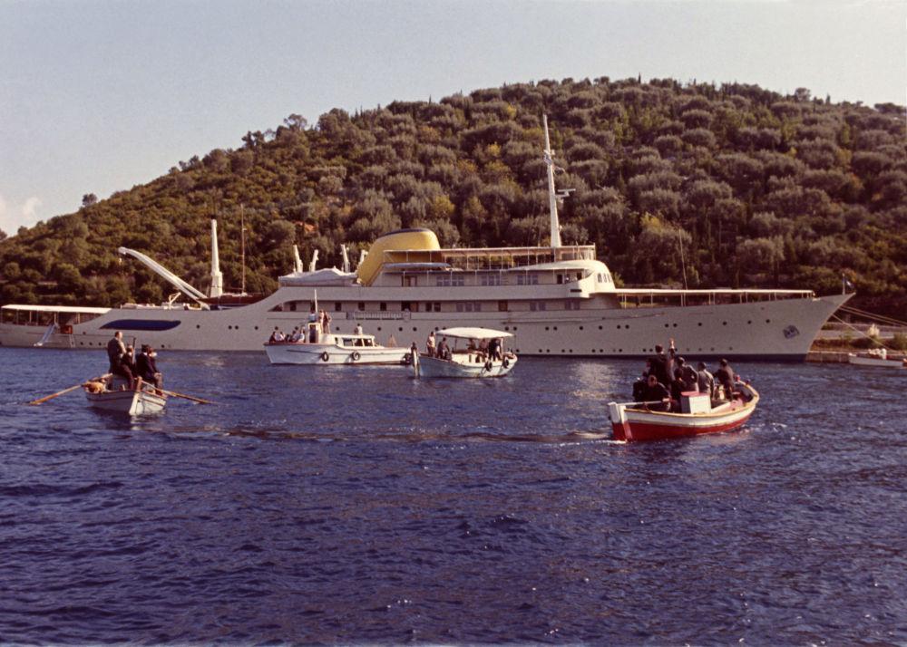 Lo yacht di Aristotele Onassis nell'isola degli scorpioni in Grecia