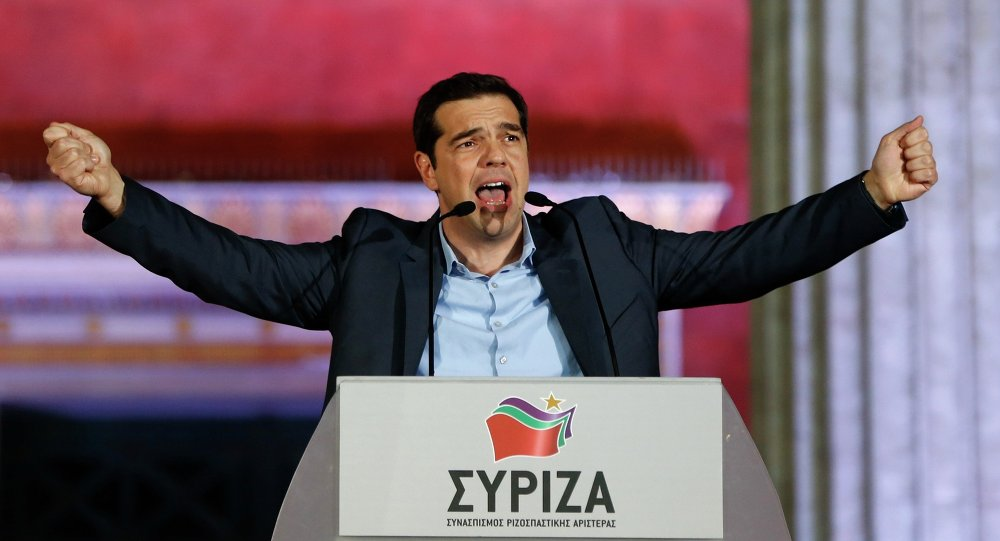 Alexis Tsipras parla ad un comizio ad Atene