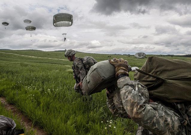 Paracadutisti della Nato