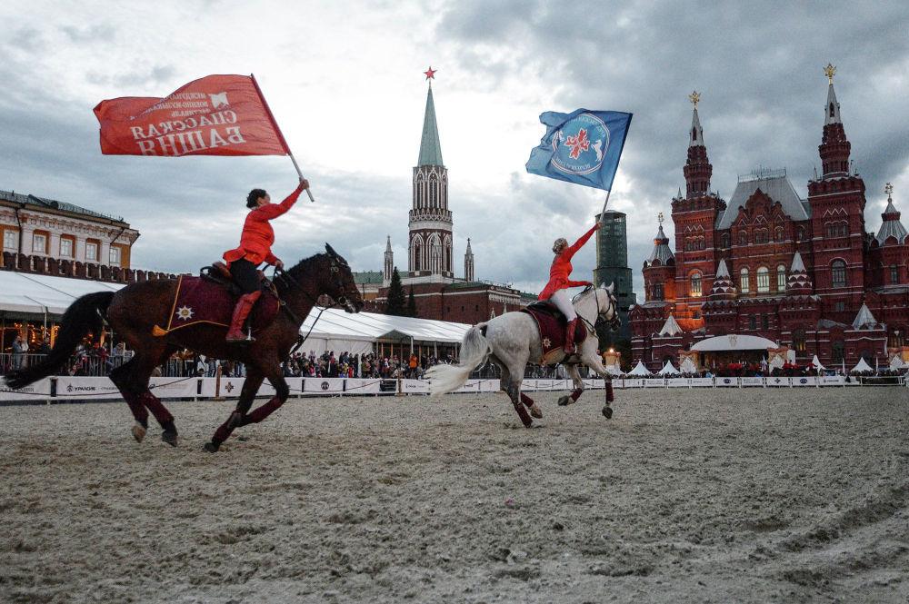 Il Festival internazionale di musica militare Torre Spasskaja. La giornata del cavallo.