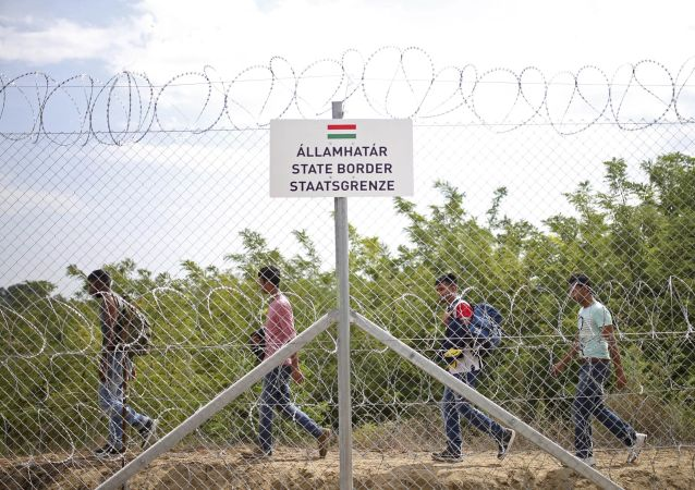 Rifugiati al confine serbo-ungherese