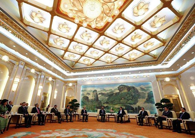 Riunione a Pechino della Banca Asiatica d'Investimento per le infrastrutture