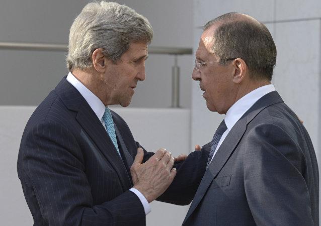 Sergey Lavrov e John Kerry