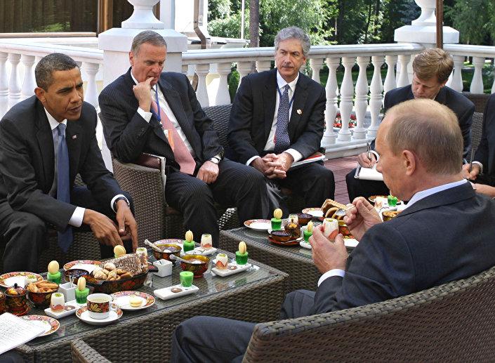 Il primo incontro tra Putin e Obama nel luglio 2009