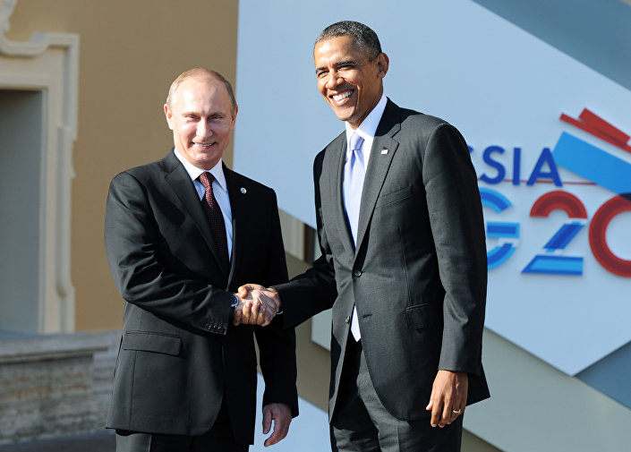 Vladimir Putin dà il benvenuto ad Obama al G20 di San Pietroburgo