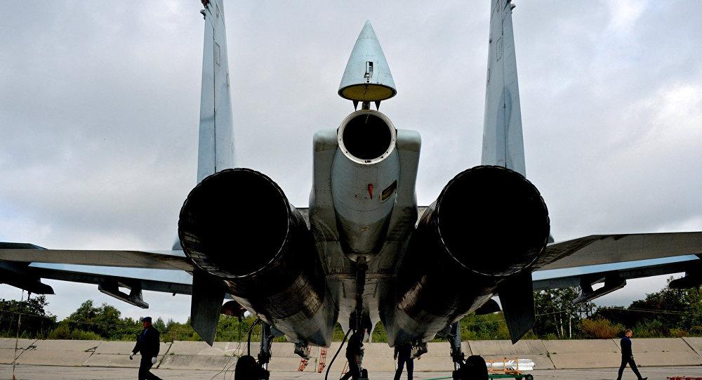 Un caccia russo SU-27SM.