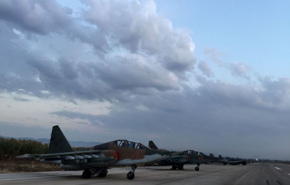 Gli aerei russi Su-25 nella base aerea vicino a Latakia, Siria.