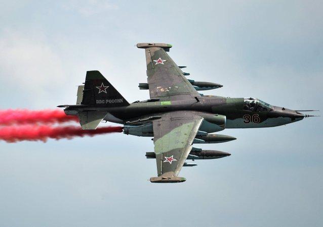 Un caccia Sukhoi SU-25