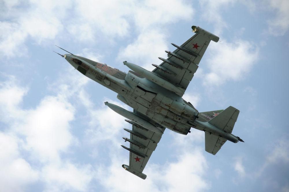 L'aereo d'assalto Su-25.