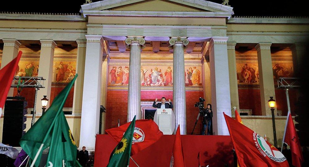 Alexis Tsipras sarà a Mosca per un incontro con il presidente russo Vladimir Putin il prossimo 8 aprile