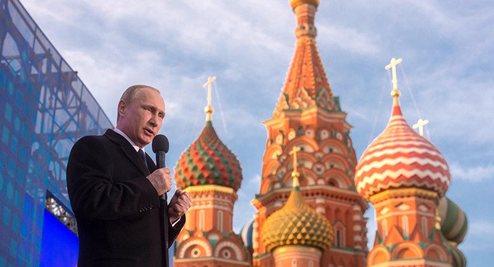 Putin al congresso-comizio Un anno insieme Russia-Crimea