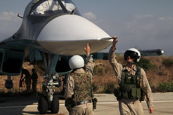 I piloti del Su-34 alla base di Hmeimim in Siria