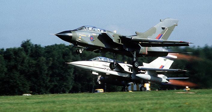 Decollo di un Tornado GR.1 della RAF e del prototipo F.2.