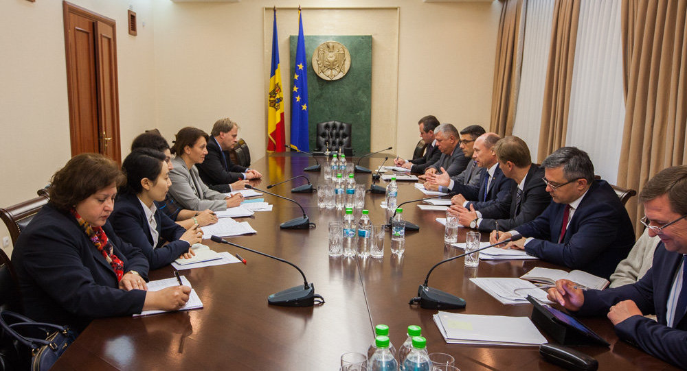 L'incontro di Valeriu Strelet con i membri della commissione FMI