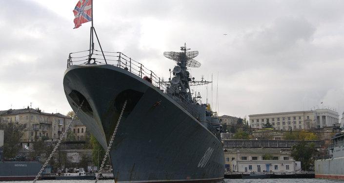 La fregata Ladny a Sebastopoli