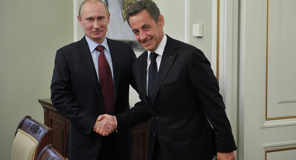 Vladimir Putin  e Nicolas Sarkozy