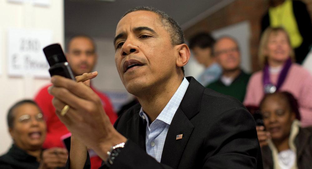 Obama al telefono