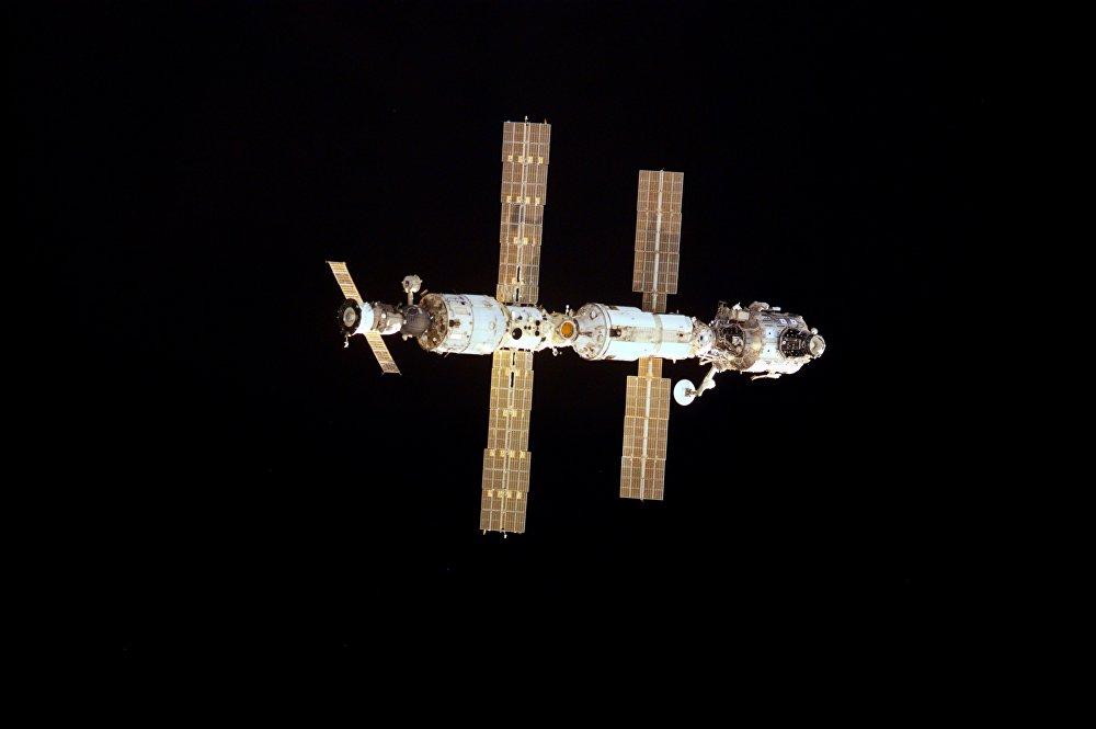 La Stazione Spaziale Internazionale compie 15 anni, ecco le foto più belle.