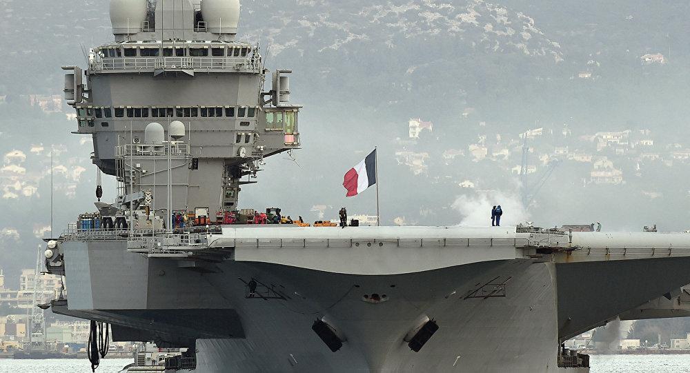 La portaerei francese Charles de Gaulle
