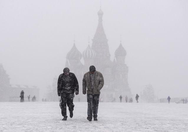 Neve sulla piazza Rossa