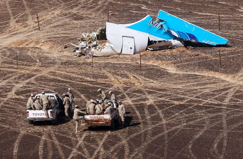 Il luogo della sciagura dell'Airbus A321 in Egitto.