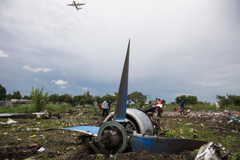 I rottami dell'Airbus A321 in Sudan del Sud.