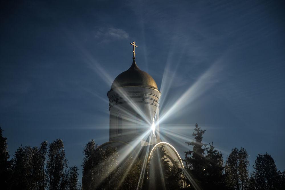 Il Tempio di San Giorgio alla Collina Poklonnaja, Mosca.