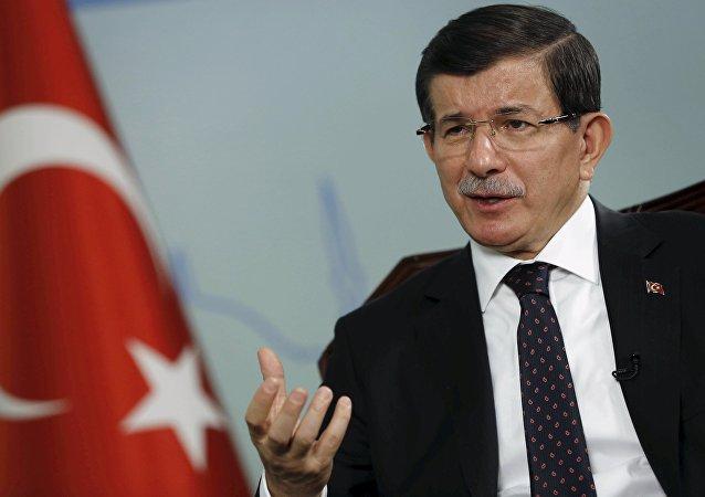 Premier della Turchia Ahmet Davutoglu (foto d'archivio)