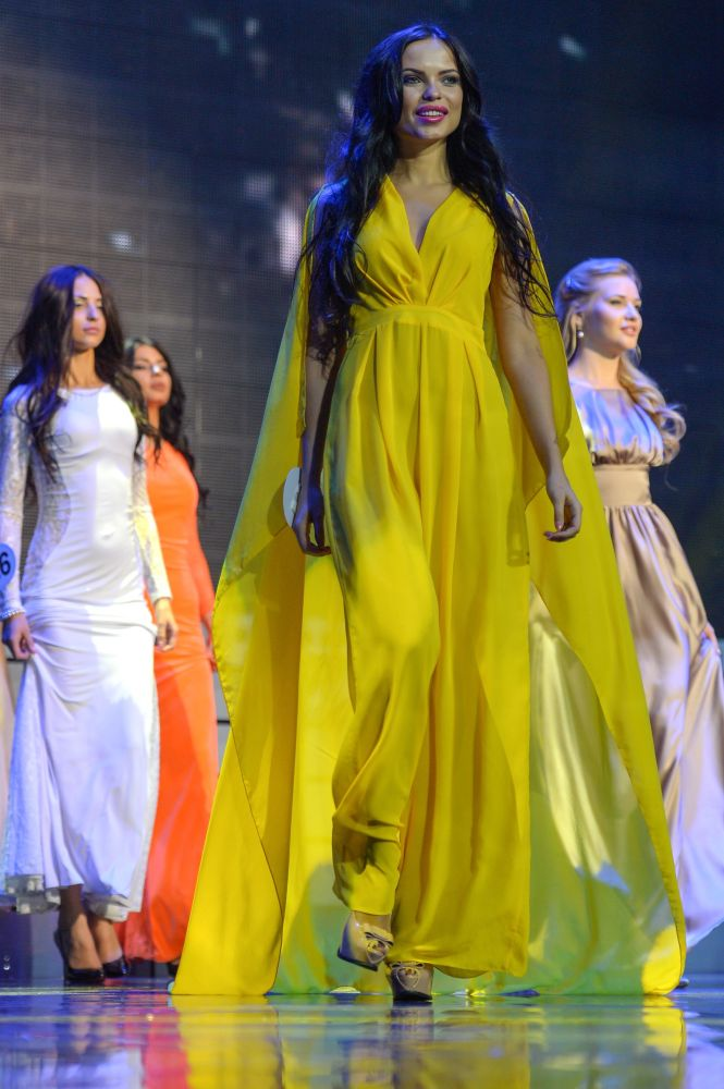 Le ragazze del concorso Krasa Rossij 2015