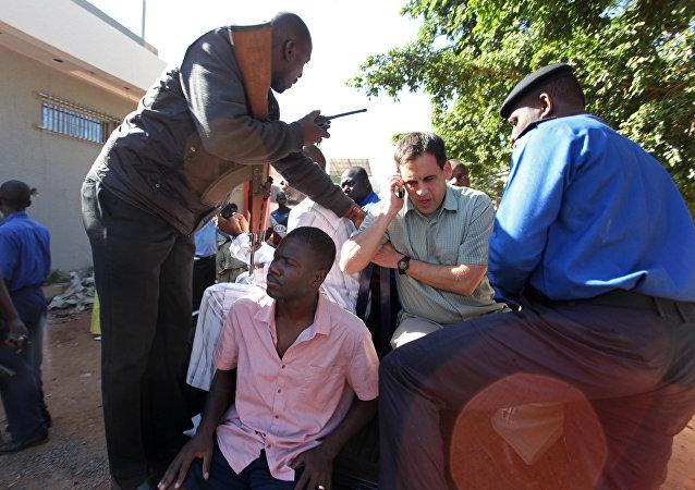 Ostaggi liberati dall'albergo attaccato in Mali