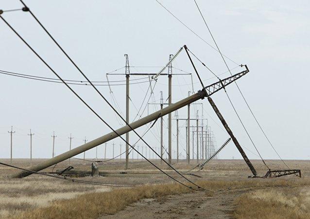 Danni ai tralicci dell'alta tensione a Kherson - (Crimea, Energia, Russia)