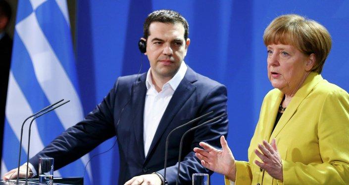 Il colloquio tra la Merkel e il leader greco.